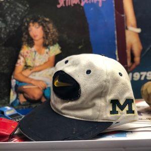 late 90s Nike Michigan velcro strap hat